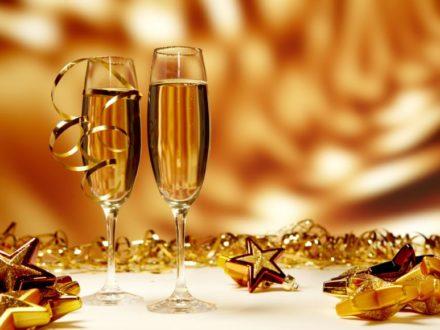 cocktailuri-de-revelion-5-idei-sa-va-inveseliti-seara_size1